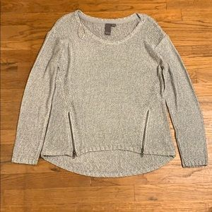 Quinn gray sweater large